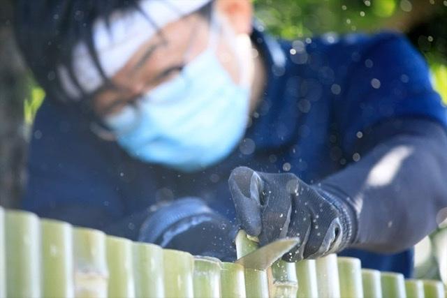 新しいスタイルの竹垣を作る長岡銘竹株式会社